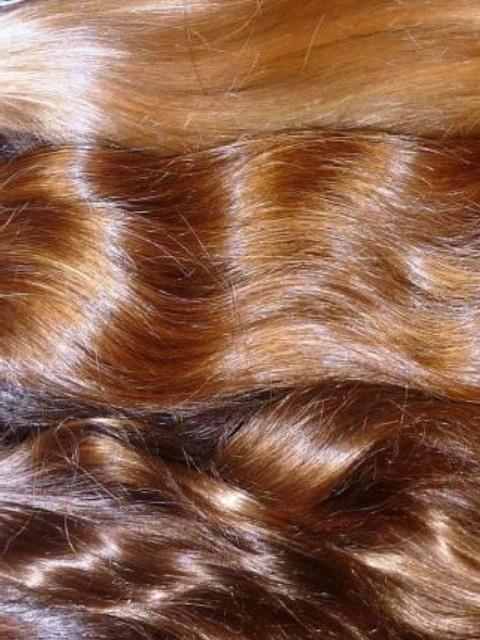 Detail jemnosti středoevropských vlasů