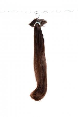 Tmavé rovné vlasy na prodlužování