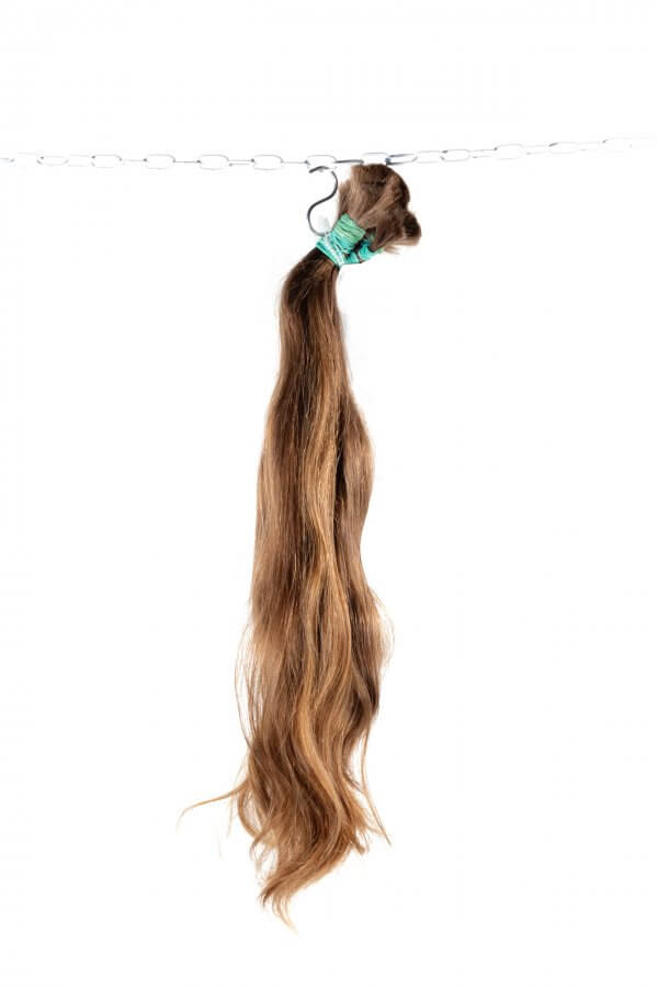 Světlé nebarvené vlasy na prodlužování